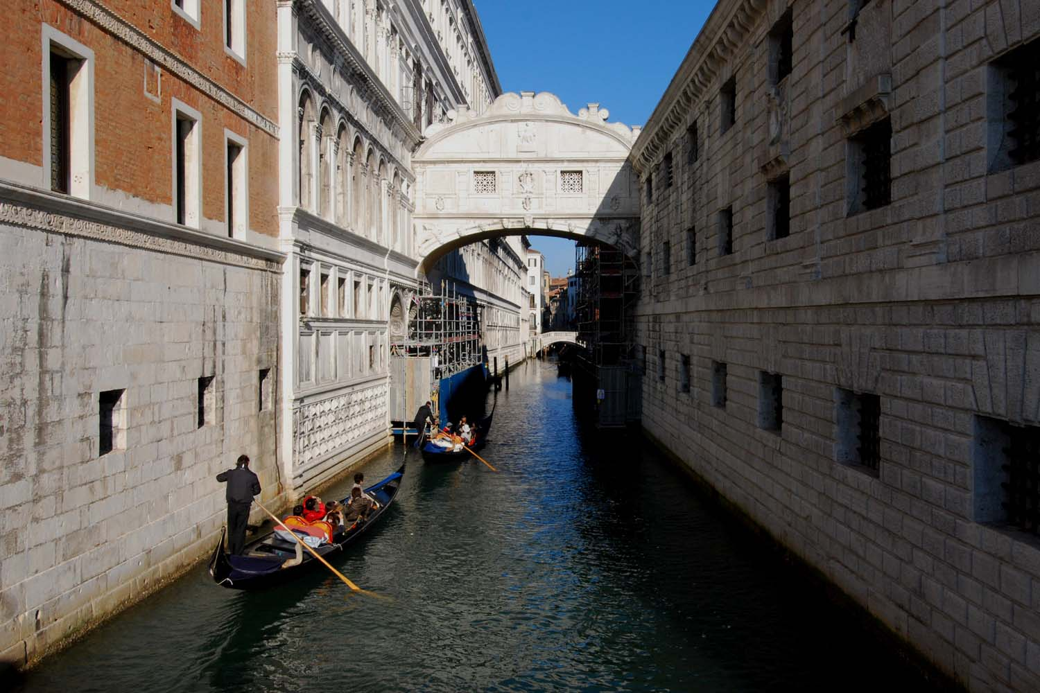FIVS Top to Toe of Italy bridge of sighs