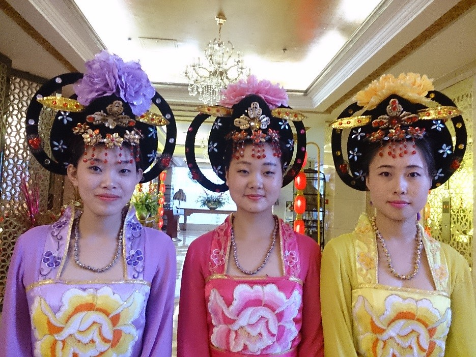 SLCHI 09 Xian   Tang Dynasty traditional costumes